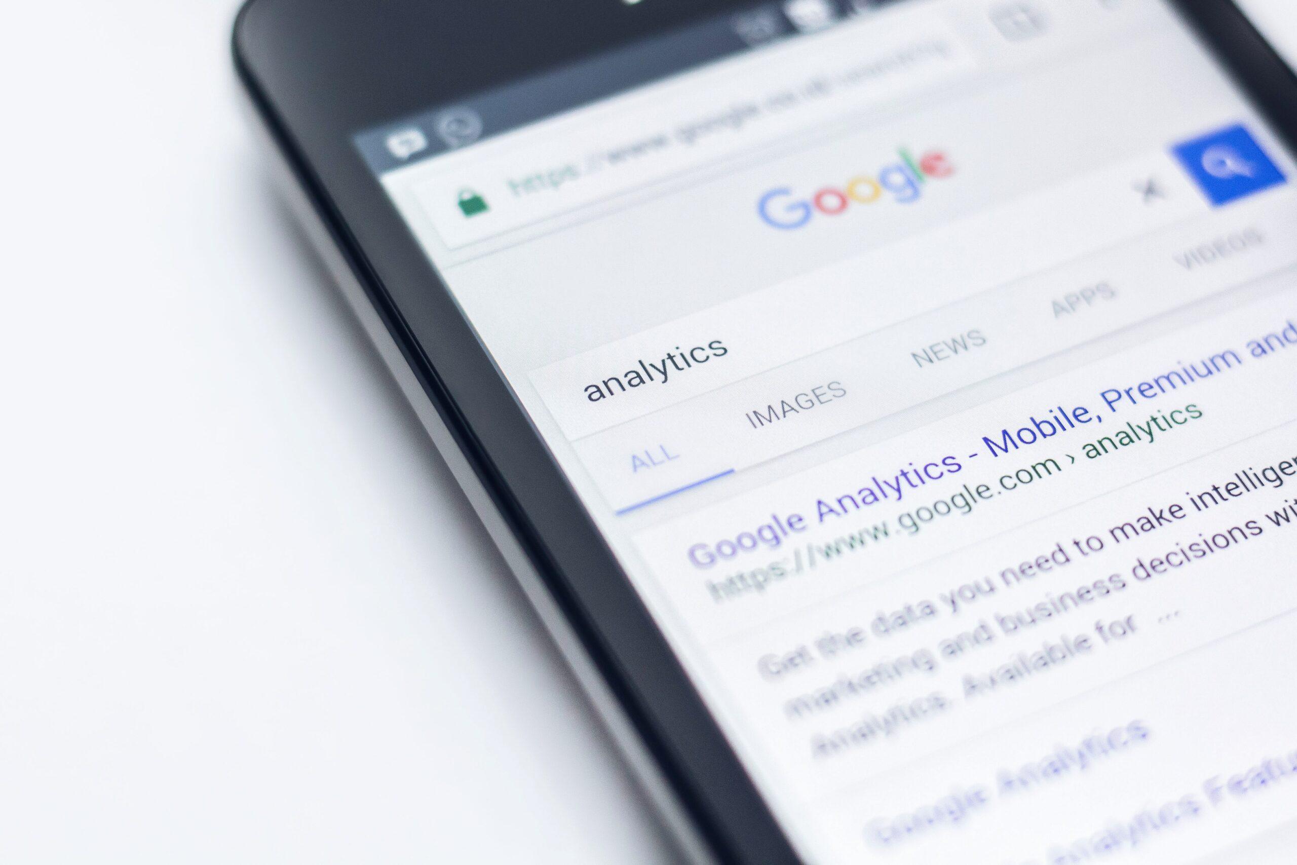 Πως να ξεπεράσετε μεγάλα brands στις αναζητήσεις στη Google